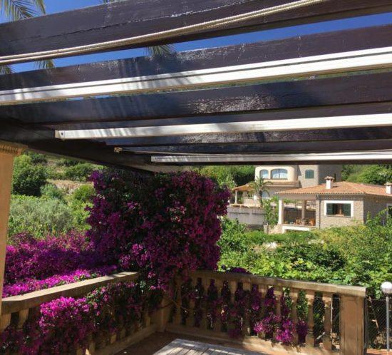 Pergola lasieren auf Mallorca
